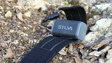 Silva Cross Trail 3: La batería lleva un velcro que hace posible que se quede fija a la cinta