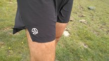 Ternua Argon Short: Ternua Argon Short: Logo reflectante