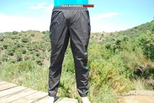 Frontal de Cubre pantalones: The North Face - AK Feather Lite Storm Blocker