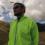 The North Face Feather Lite Storm Jacket: La The North Face Feather Lite Storm Blocker Jacket se siente ligera y ofrece un patronaje muy adecuado.