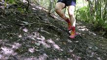 Topo Athletic MTN Racer: En terreno húmedo los tacos clavan muy bien