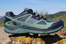Frontal de Calzado: Topo Athletic - Terraventure