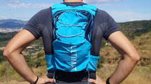 Frontal de Mochilas: Ultimate Direction - Adventure Vest 4.0