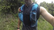 Ultimate Direction Adventure Vest 4.0: El bolsillo derecho nos ha servido para cargar el GPS en nuestras salidas de orientación