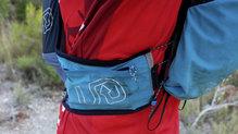 Ultimate Direction Adventure Vest 4.0: Los bolsillo laterales han aguantado perfectamente el roce