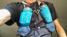 Ultimate Direction Race Vest 4.0: Ultimate Direction Race Vest 4.0 cargada hasta los topes